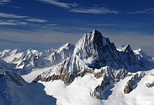photo de monts enneigés dans les alpes bernoises