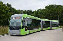 Un bus bi-articulé METTIS du réseau LE MET'