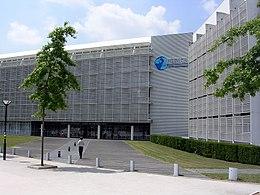 Entrée principale de l'Atlantic campus d'Audencia Business School.