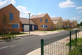 Photographie d'une rue dans la résidence de la Planchette.