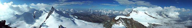 photo panoramique des alpes suisses prise depuis le sommet de l'«Allalinhorn»
